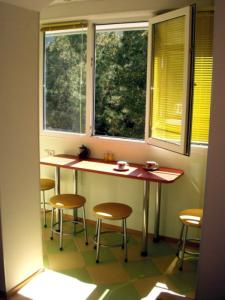 Объединение балкона с комнатой, кухней цена, скидки и акции .