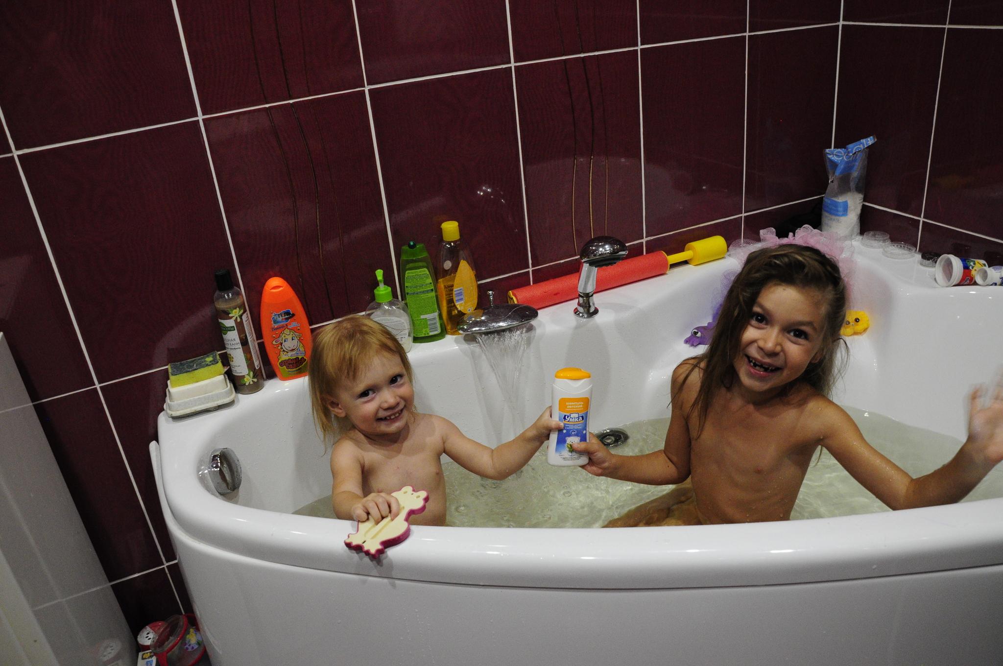 Трахает сын маму в ванной фото, в ванной с мамой - порно фото поиск 24 фотография
