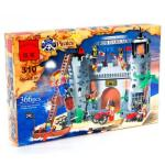 Конструктор Brick (Брик) Пиратский замок состоит из 366 элементов.  В набор входит семь фигурок пиратов и солдат...