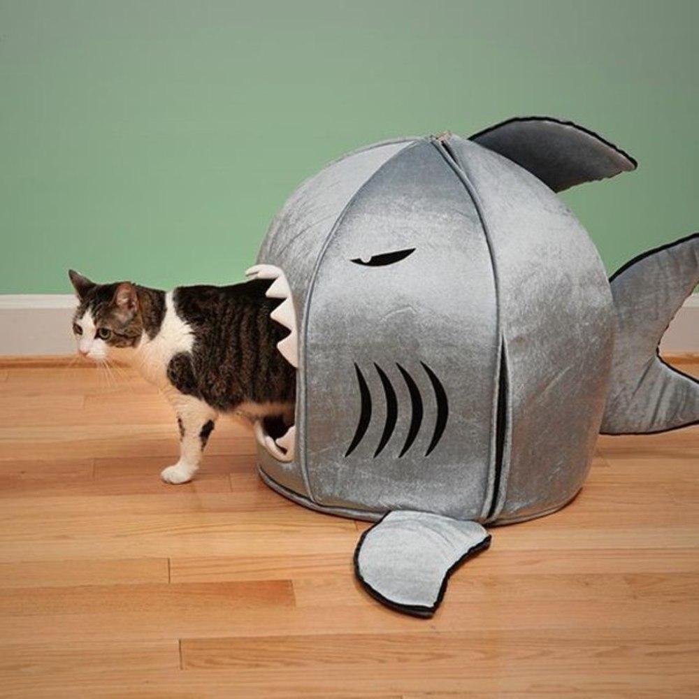 Прикольный домик для кота своими руками
