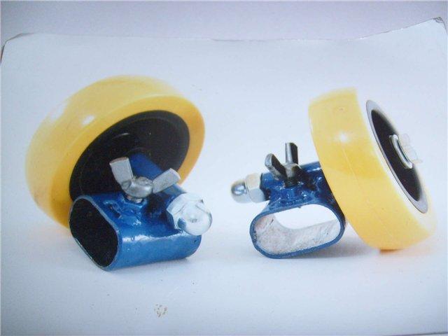 Продам новые колёсики для санок (съёмные ) на узкие полозья...