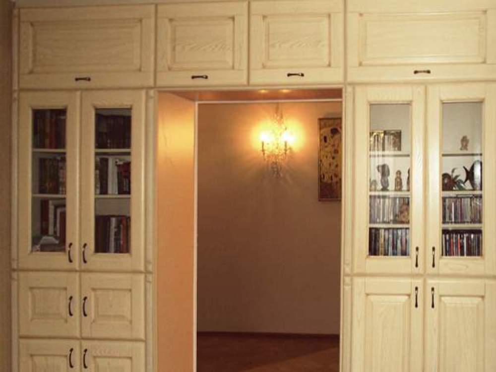 Шкаф вокруг двери - сами себе декораторы - страна мам.