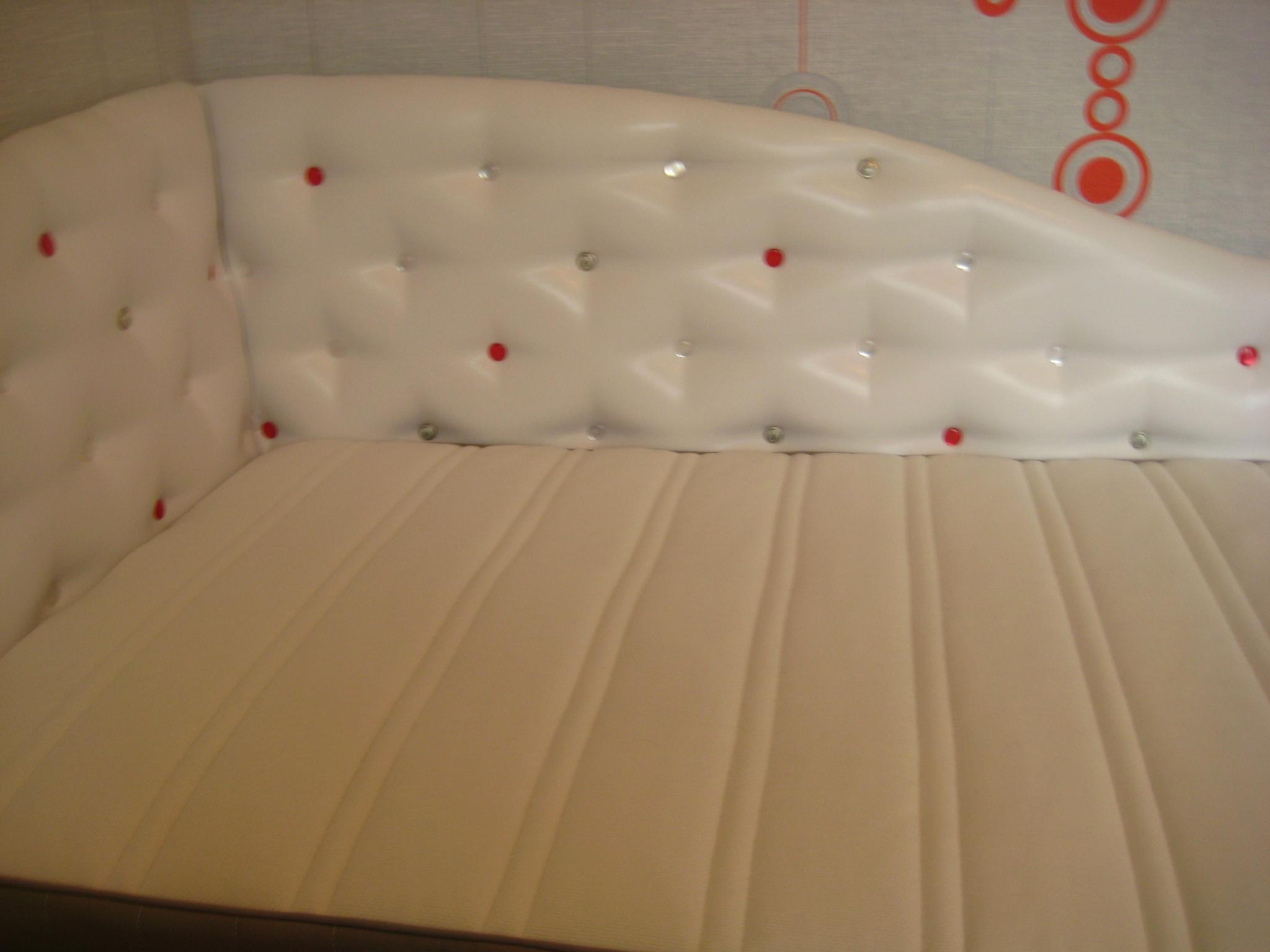 Как сделать спинку кровати мягкой своими руками 26