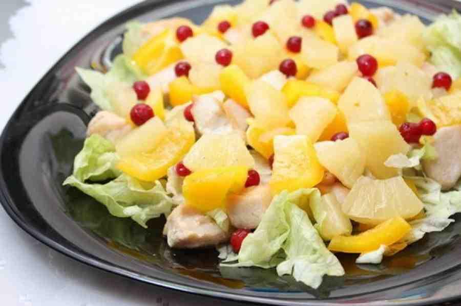 Салат мясо курицы ананас