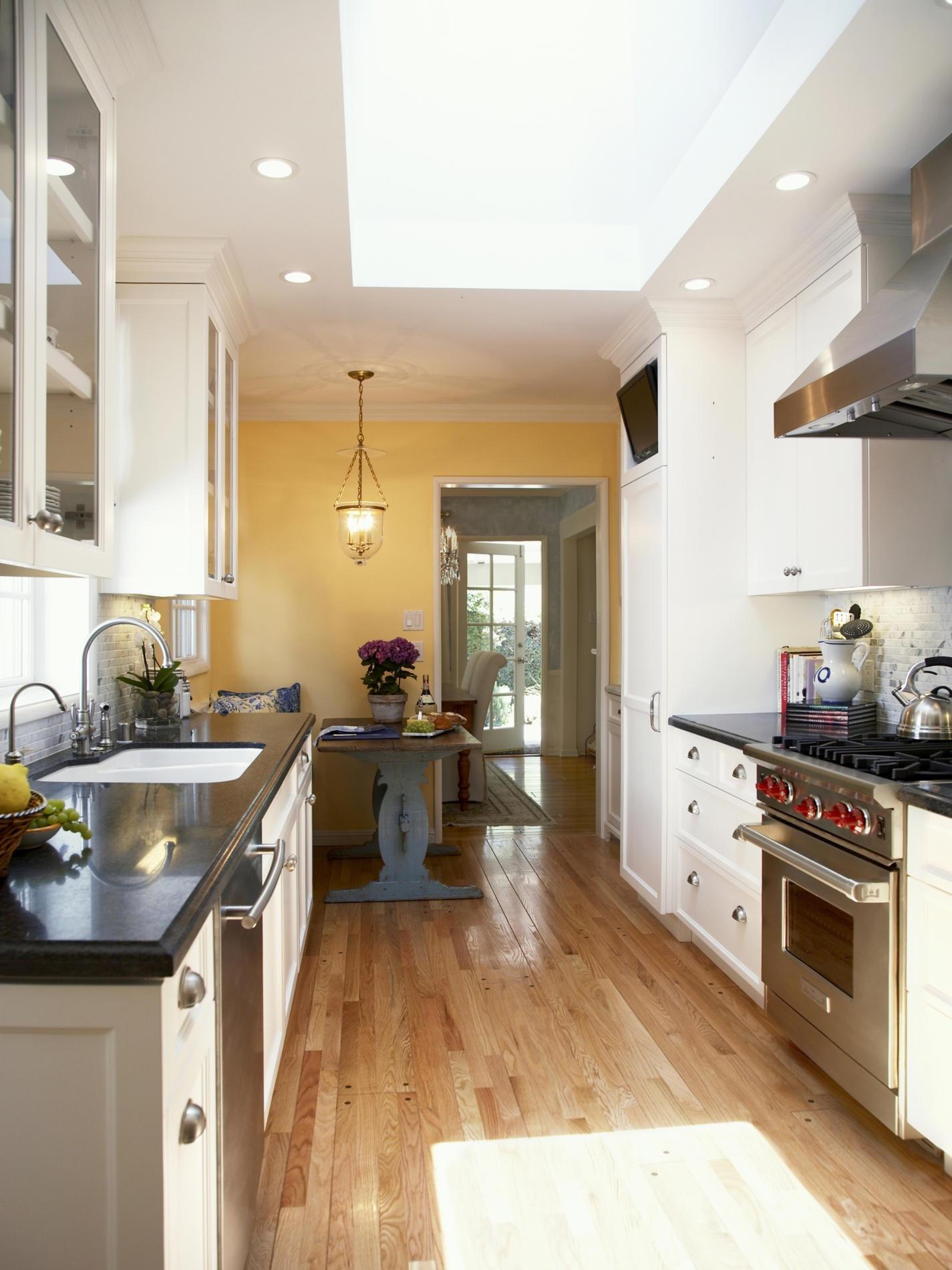 знакомые как расширить кухню дизайн фото разделе установите фото