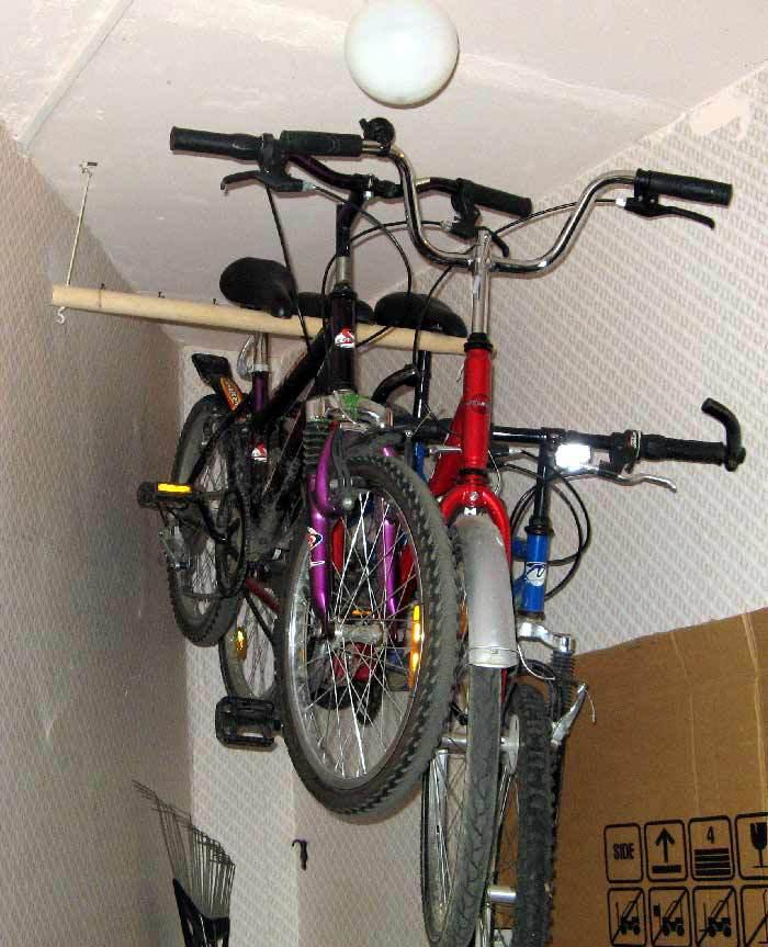 Поделитесь хитростями: где и как вы храните велосипеды? / фо.