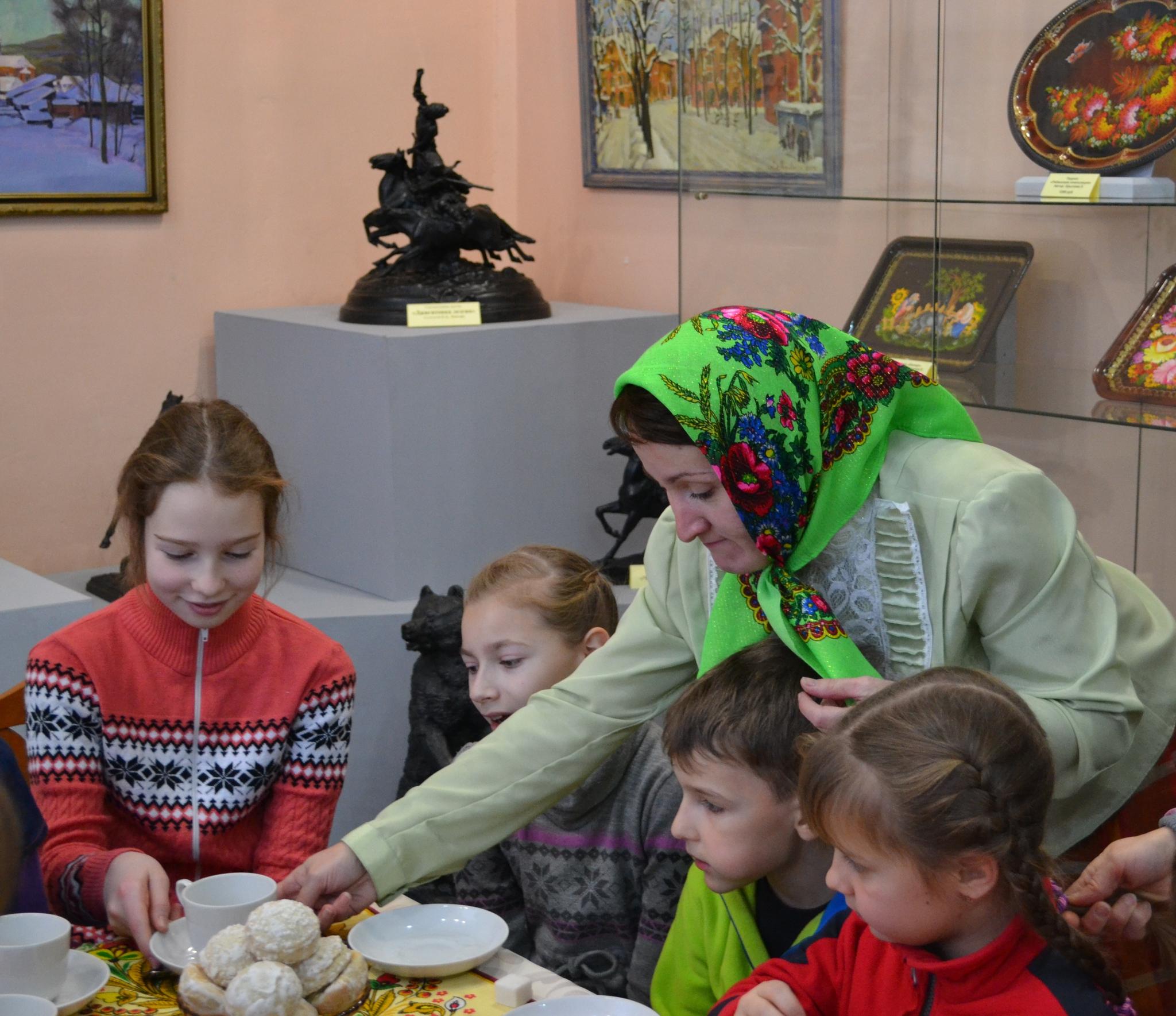 Русские мамы живут с сыновьями и заставляют их лизать пизду