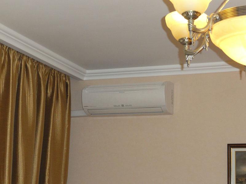 Как клеить полипропиленовый потолочный карниз к натяжному потолку