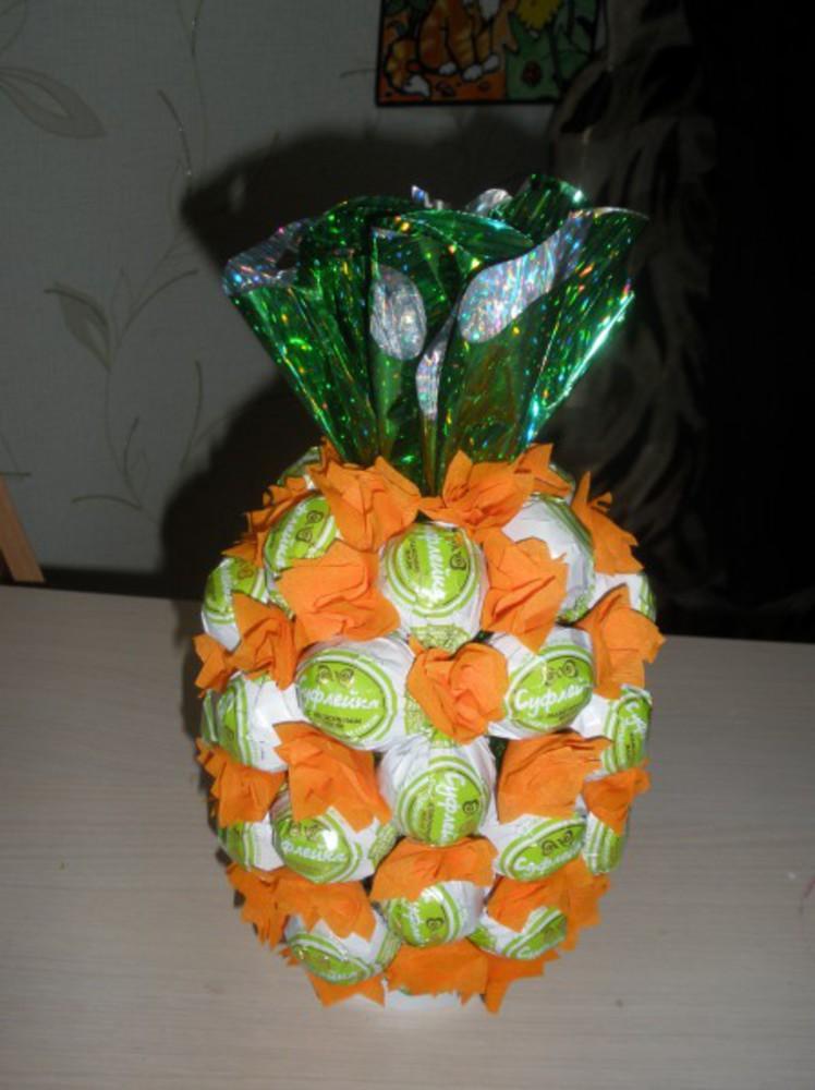 Поделки из конфет ананас своими руками 62